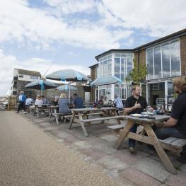 Crown And Anchor Shoreham Outside Seating 2