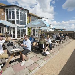 Crown And Anchor Shoreham Outside Seating 1